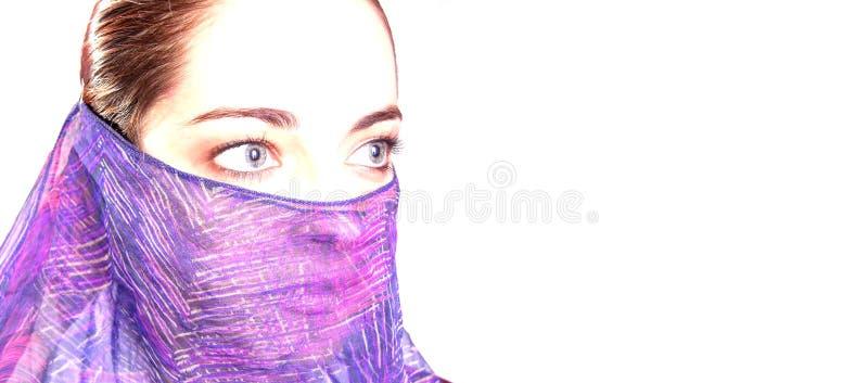 Femme avec le voile photographie stock libre de droits