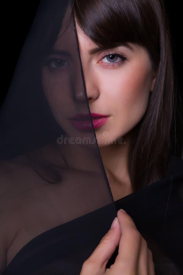 Femme avec le voile noir images libres de droits
