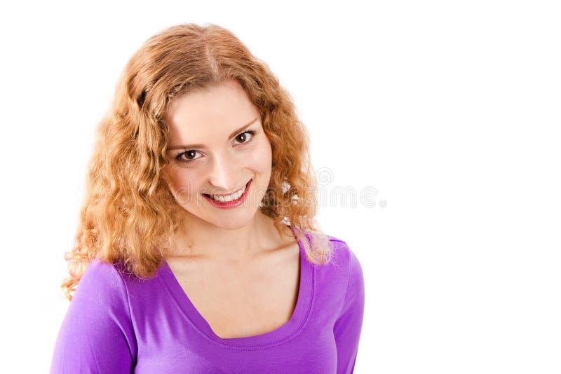 Femme avec les cheveux rouges - femme d'isolement sur le fond blanc images stock