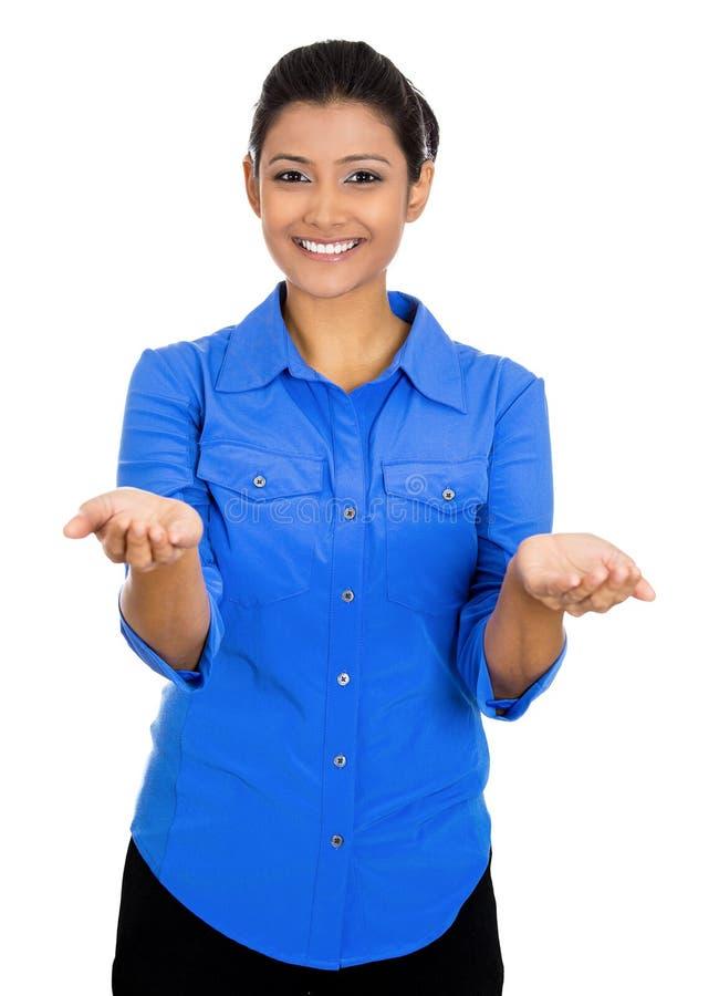 Femme avec rised vers le haut des bras de paume photo libre de droits