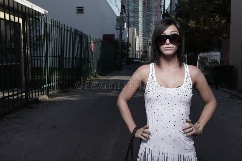 Femme avec une expression contrariée images libres de droits