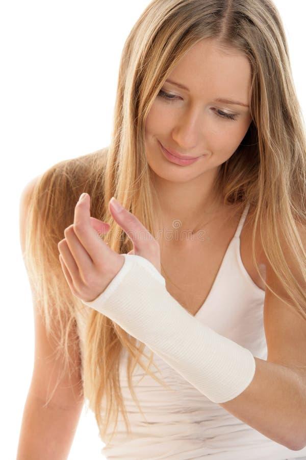 Femme avec wristban élastique photos stock