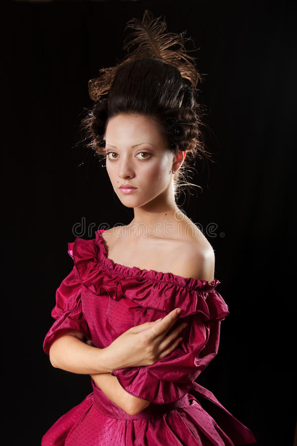 Femme baroque dans le costume historique avec la crinoline images libres de droits