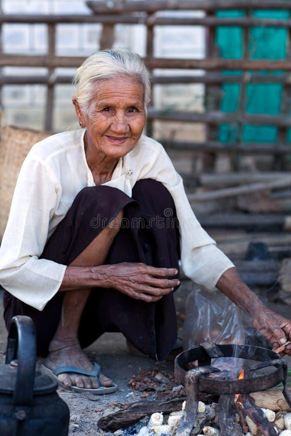 Femme birmanne, Myanmar photographie stock libre de droits