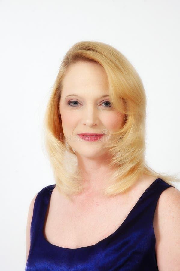 Download Femme blond photo stock. Image du fille, bleu, adulte, formel - 744804