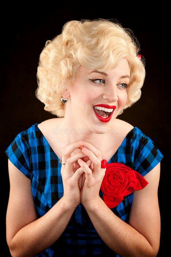 Femme blonde assez rétro photographie stock libre de droits