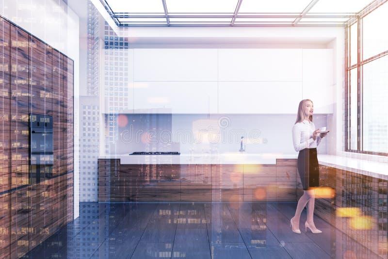 Femme blonde dans une cuisine de grenier illustration libre de droits
