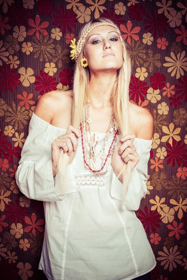Femme blonde de hippie photos libres de droits