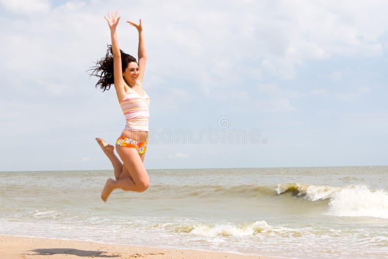 femme branchante heureuse image libre de droits