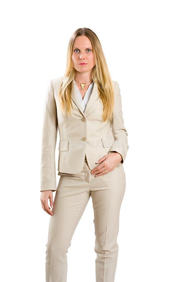 Femme caucasienne attirante dans le costume d'isolement sur le blanc images stock