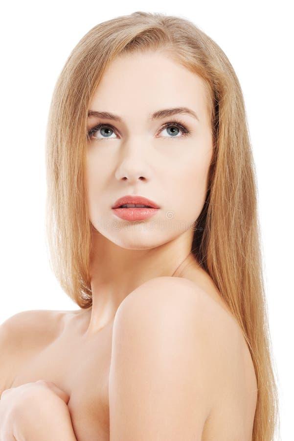 Femme caucasienne de beau torse nu avec la peau propre fraîche photo stock
