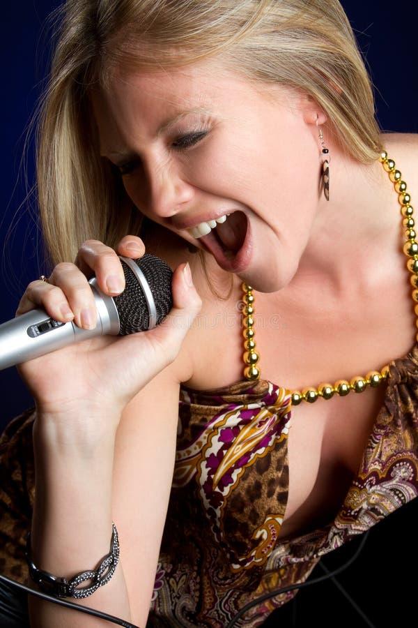Femme chanteur photographie stock