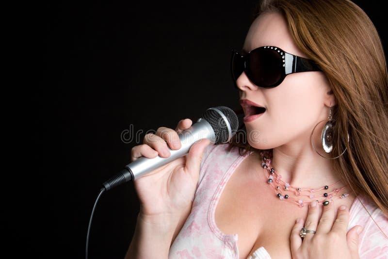 Femme chanteuse de musique photo stock