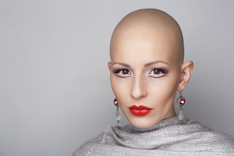 Femme chauve de beauté photos stock