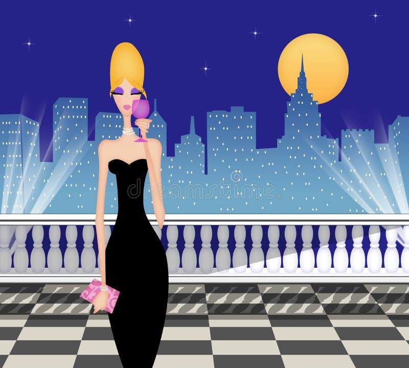 Femme chic avec du vin sur une terrasse éclairée par la lune dans la ville illustration libre de droits