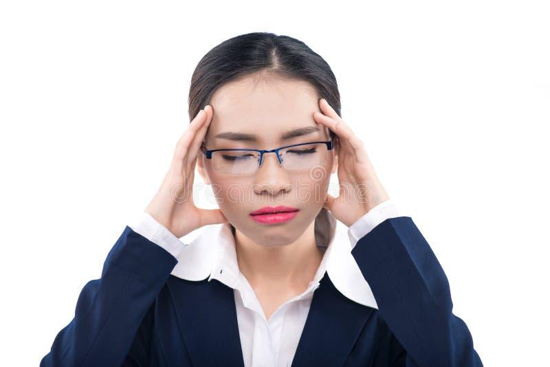 Femme consternée avec une expression terrifiée isolant de portrait de studio image stock