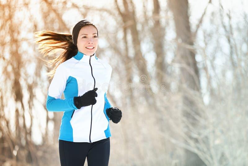 Femme courante de sport images stock