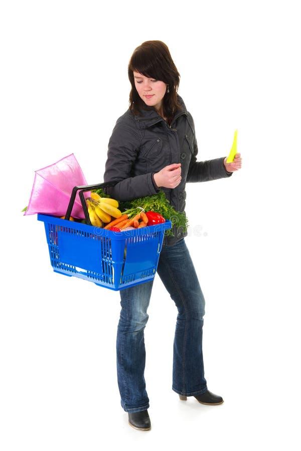 Femme d'achats dans le supermarché image libre de droits