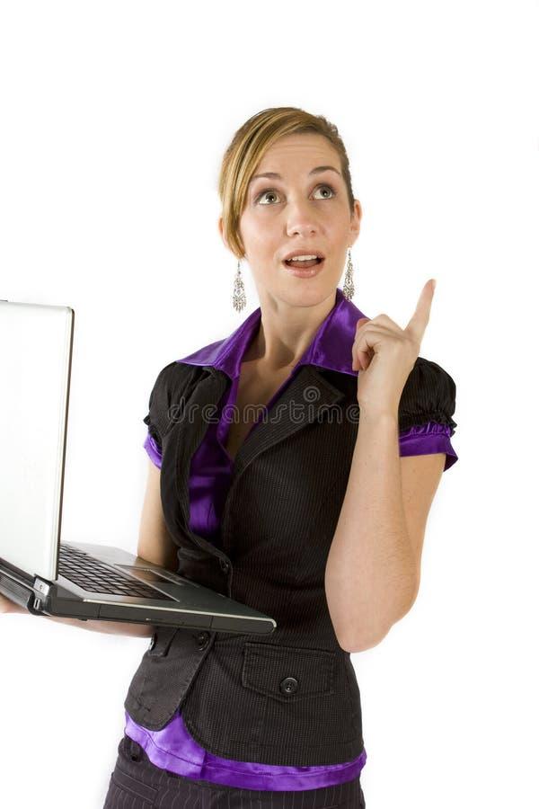 Femme d'affaires à l'aide de l'ordinateur portatif photo libre de droits