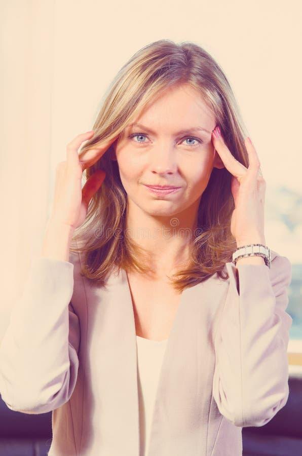 Download Femme d'affaires - 2 image stock. Image du beau, professionnel - 45357499