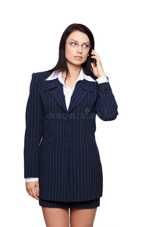 Femme d'affaires appelant par la cellule image stock