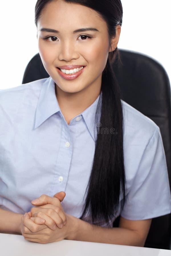 Femme d'affaires asiatique de sourire image libre de droits