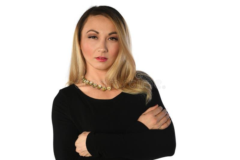 Femme d'affaires avec des bras croisés images stock