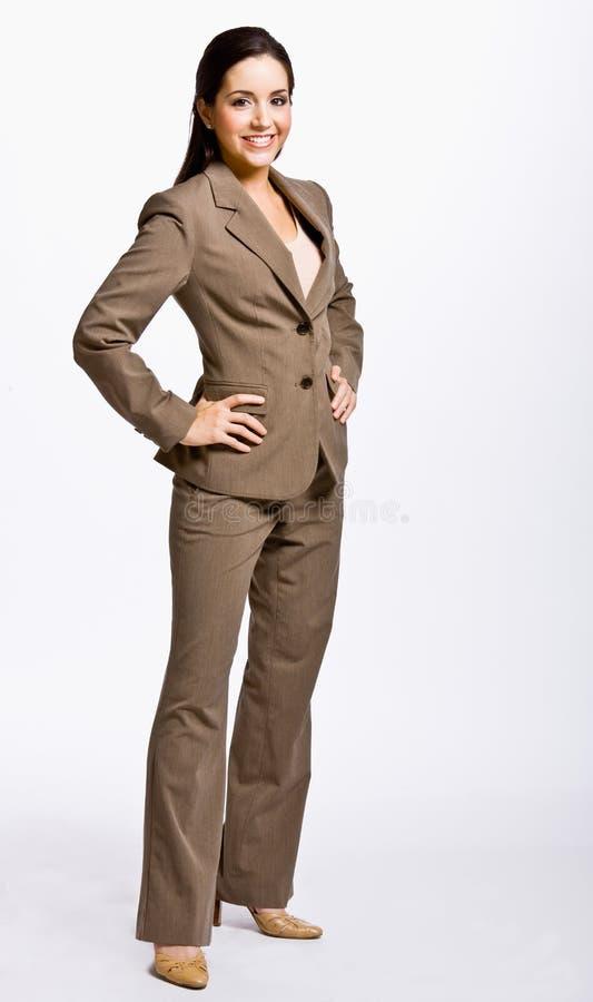 Femme d'affaires avec des mains sur des gratte-culs photos libres de droits