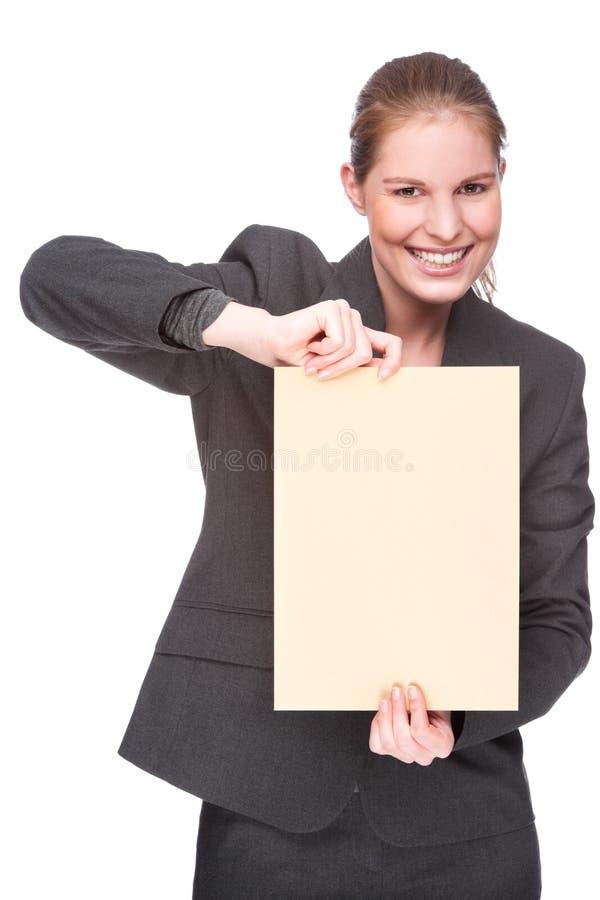 Femme d'affaires avec l'enveloppe photographie stock libre de droits
