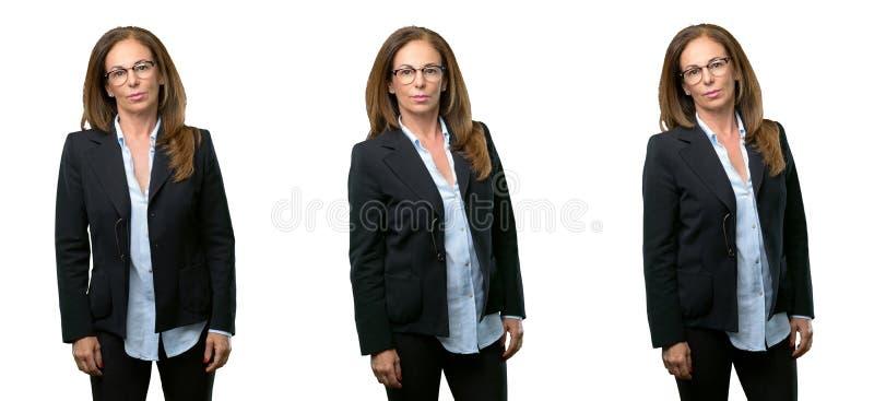 Femme d'affaires de Moyen Âge avec de longs cheveux photographie stock