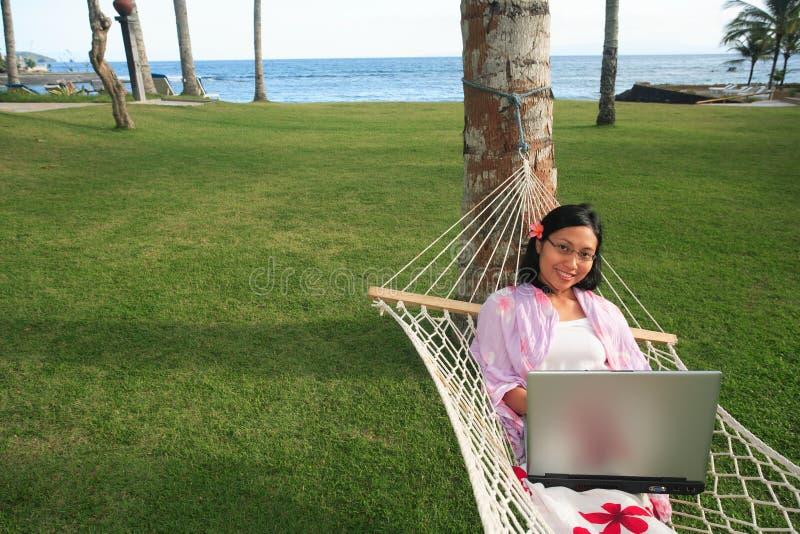 Femme d'affaires des vacances images stock