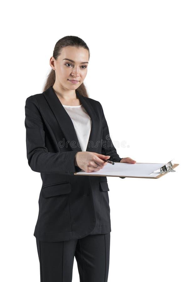 Femme d'affaires donnant le document pour signer, d'isolement image stock