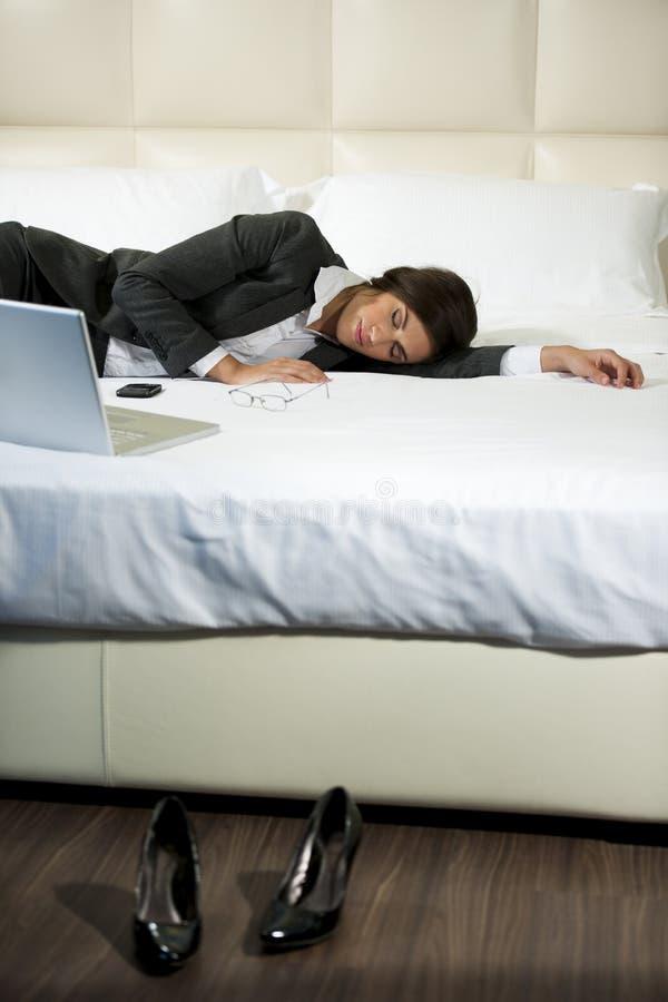 Femme d'affaires en sommeil image stock