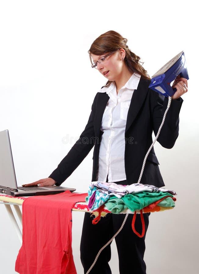 Femme d'affaires et femme au foyer photographie stock libre de droits