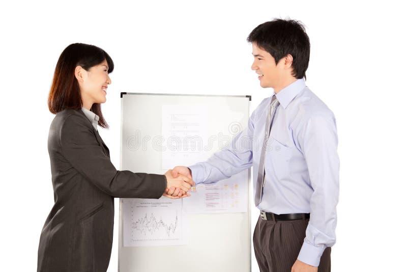 Femme d'affaires et homme d'affaires Shaking Hand images stock