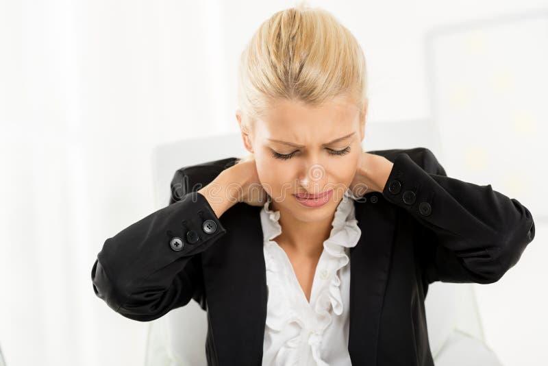 Femme d'affaires fatiguée photo stock