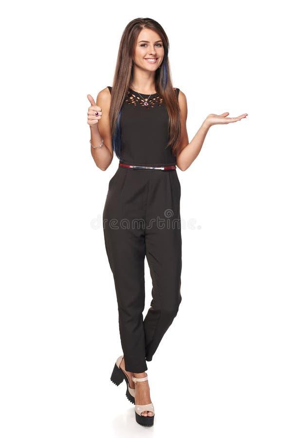 Femme d'affaires montrant l'espace vide de copie photographie stock
