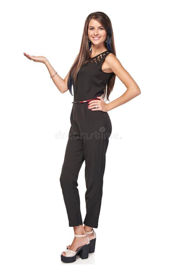 Femme d'affaires montrant l'espace vide de copie photos stock