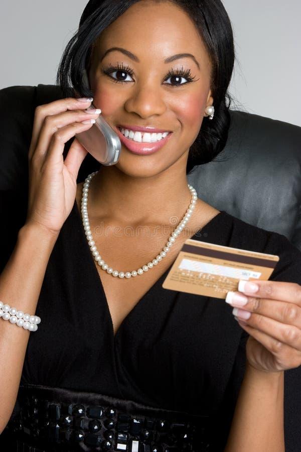 Femme d'affaires par la carte de crédit photo libre de droits