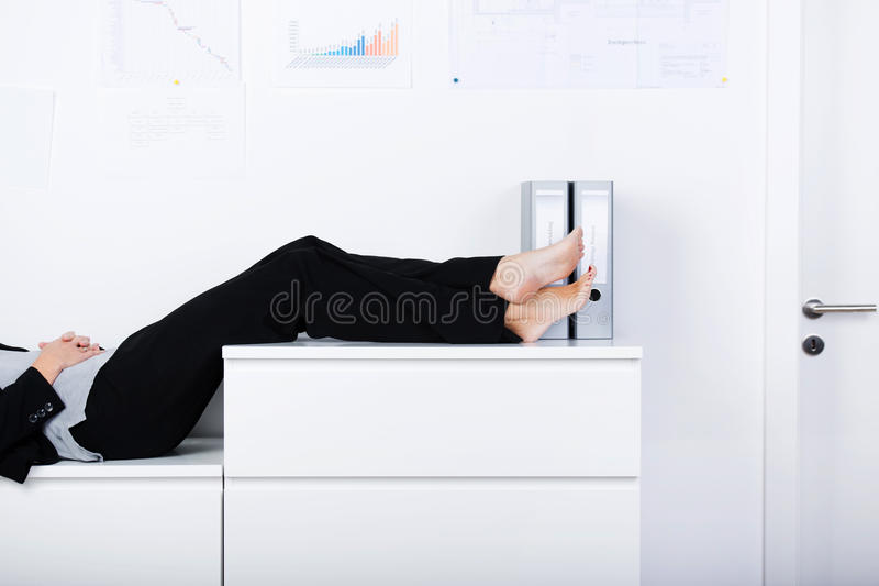 Femme d'affaires Sleeping image stock