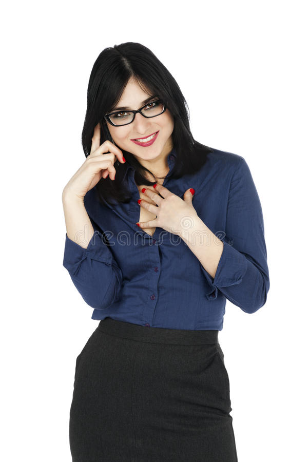 Femme d'affaires souriant au téléphone image stock