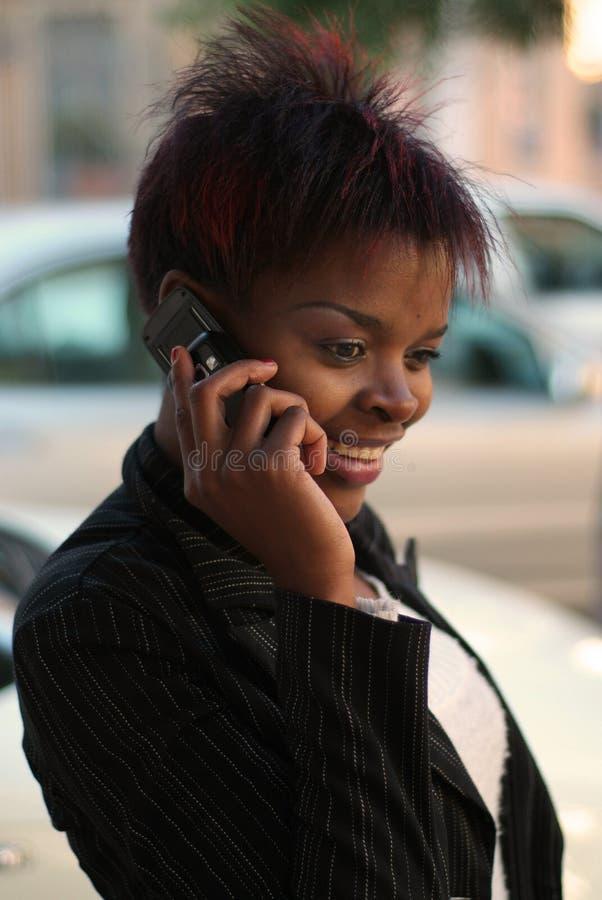Femme d'affaires sur le portable image libre de droits
