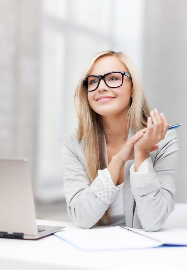 Femme d'affaires sur une réunion image libre de droits