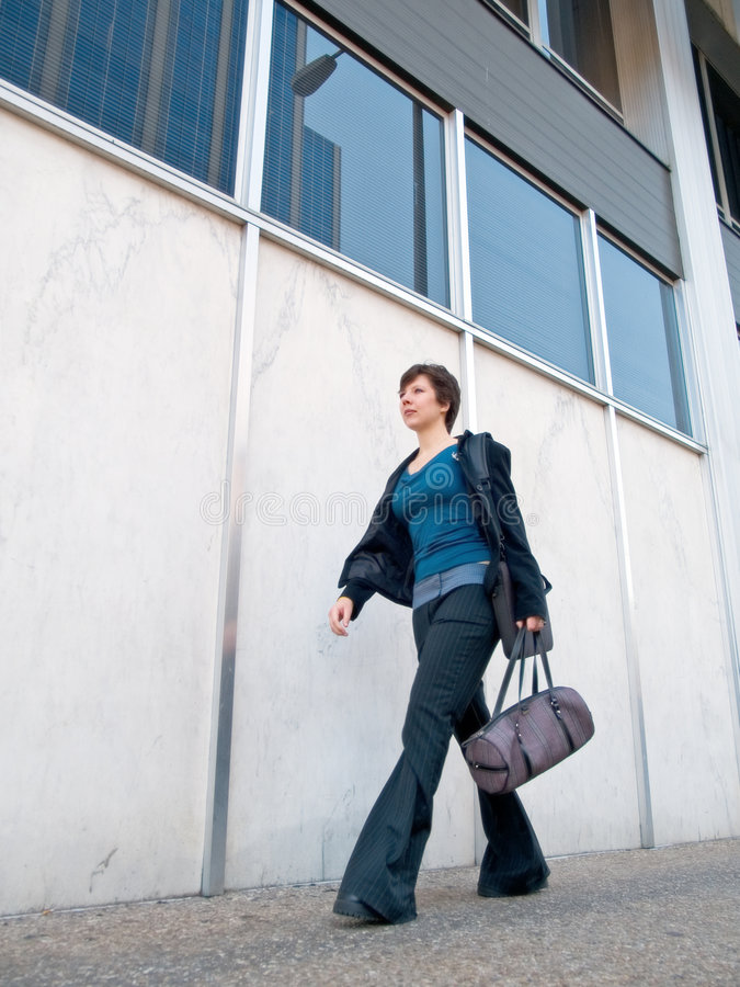 Download Femme d'affaires urbaine 6 photo stock. Image du vêtement - 737706