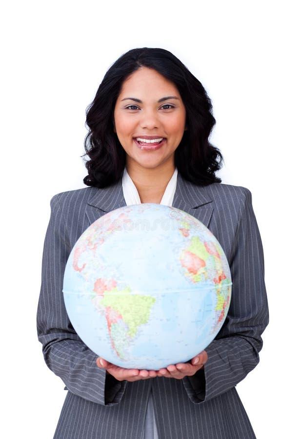 Femme d'affaires visionnaire souriant aux affaires globales photographie stock