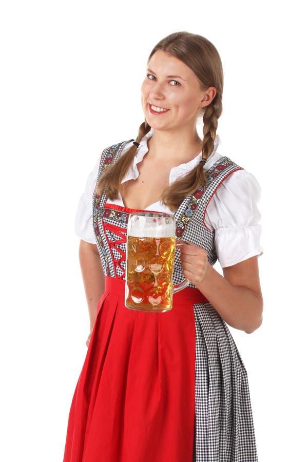 Femme d'Oktoberfest avec de la bière image stock