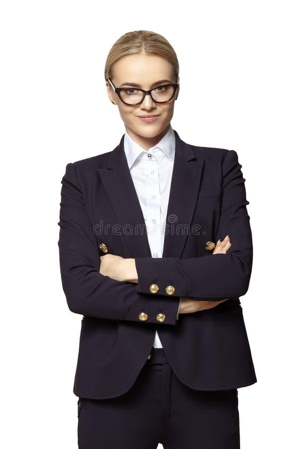 Femme d?termin?e avec les bras crois?s photographie stock libre de droits