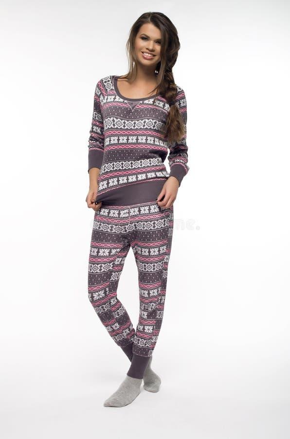 Femme dans des pyjamas image libre de droits