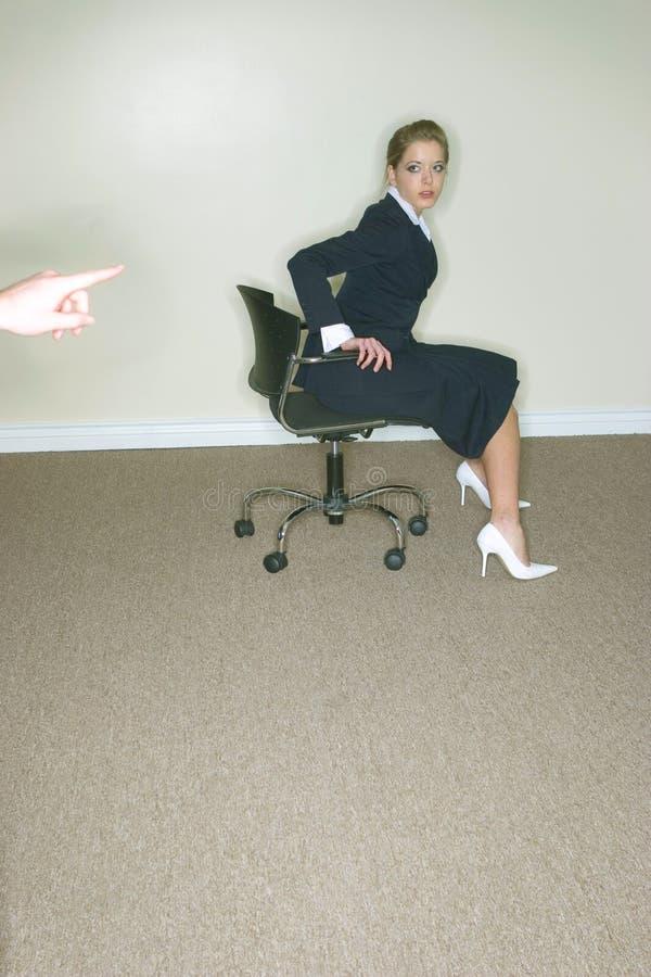 Femme dans la présidence de bureau photos libres de droits