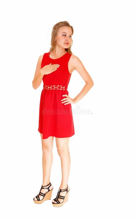 Download Femme dans la robe rouge photo stock. Image du femelle - 45352280